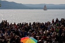 Audience_Shot_River_Boat_horizontal_credit_Econosmith