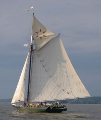 The sloop Clearwater in full sail