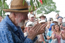 Pete_Seeger_River_Blessing2_credit_Econosmith